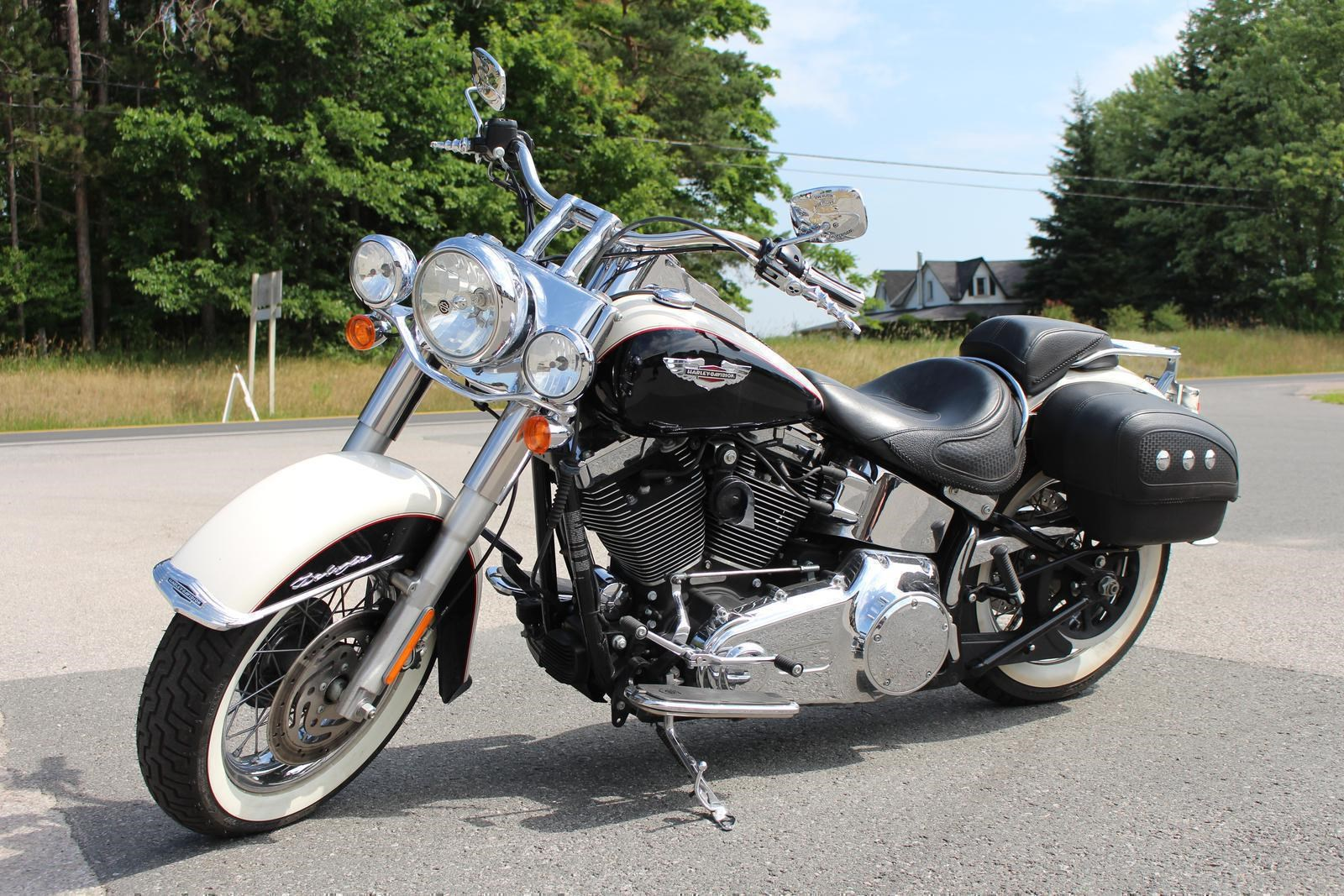 harley davidson softail deluxe flstn 2011 used motorcycle for sale in lakefield ontario. Black Bedroom Furniture Sets. Home Design Ideas