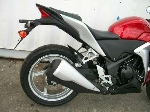 2011 Honda CBR250R Photo 2 of 9