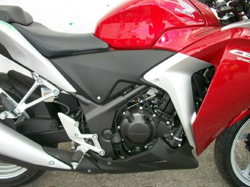 2011 Honda CBR250R Photo 4 of 9