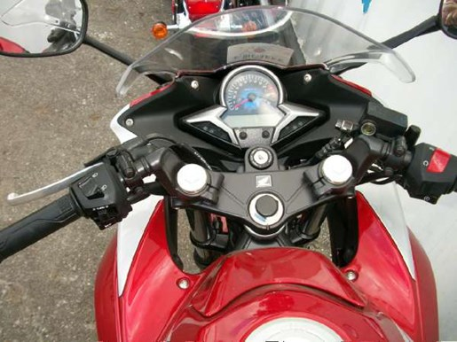 2011 Honda CBR250R Photo 8 of 9