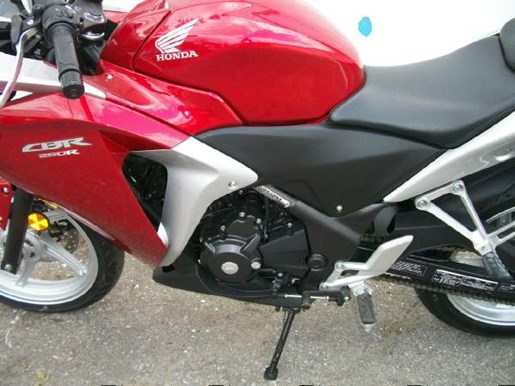 2011 Honda CBR250R Photo 9 of 9