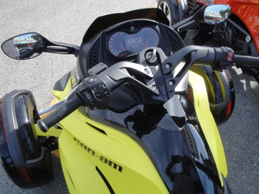 2014 CAN-AM DEMO Spyder RS-S SM-5 Photo 12 of 15