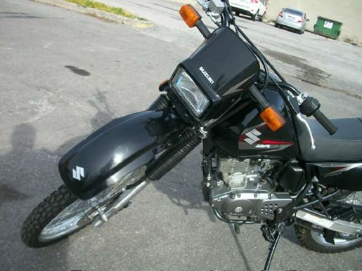 2011 Suzuki DR200SE Photo 9 of 12