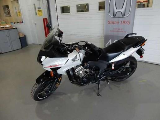 2012 Honda CBF600S Photo 3 of 10