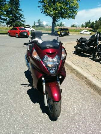 2009 Honda Silver Wing Photo 2 of 3