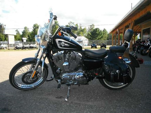 2014 Harley-Davidson Sportster Seventy-Two Photo 2 of 4
