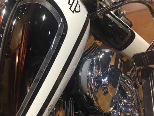 2016 Harley-Davidson Road Glide Special Photo 11 of 12