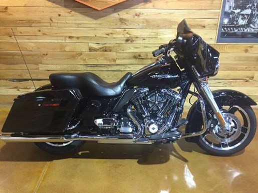 2011 Harley-Davidson Street Glide Photo 1 of 11
