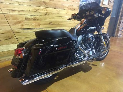 2011 Harley-Davidson Street Glide Photo 6 of 11