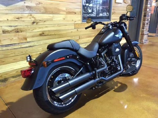 2017 Harley-Davidson Fat Boy S Photo 6 of 9