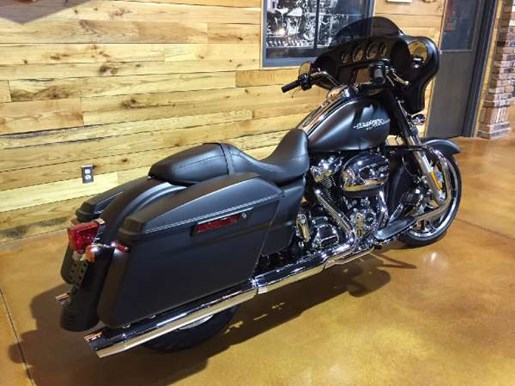 2017 Harley-Davidson Street Glide Special Photo 6 of 9