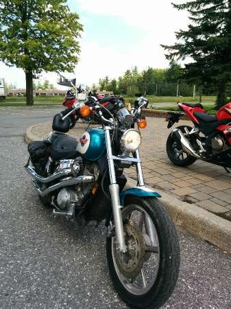 1993 Honda Shadow VT1100 Photo 2 of 3