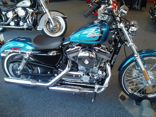 2015 Harley-Davidson Seventy-Two Photo 2 of 5