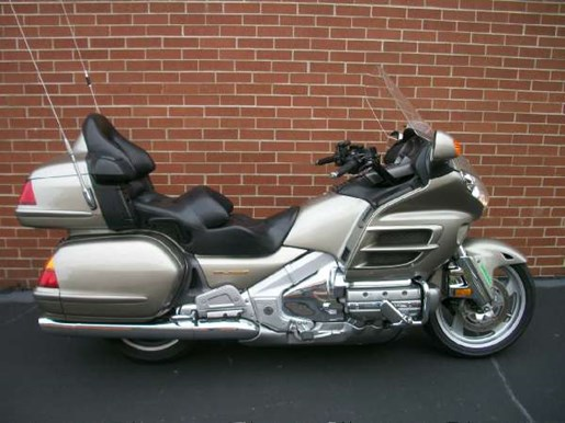 2003 Honda Gold Wing  ABS Photo 1 of 31