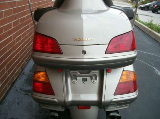 2003 Honda Gold Wing  ABS Photo 10 of 31