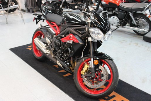 2016 Triumph Street Triple RX ABS Photo 2 of 4