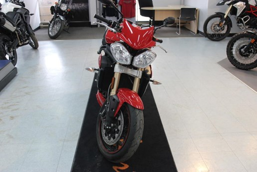 2015 Triumph Speed Triple ABS Photo 7 of 7
