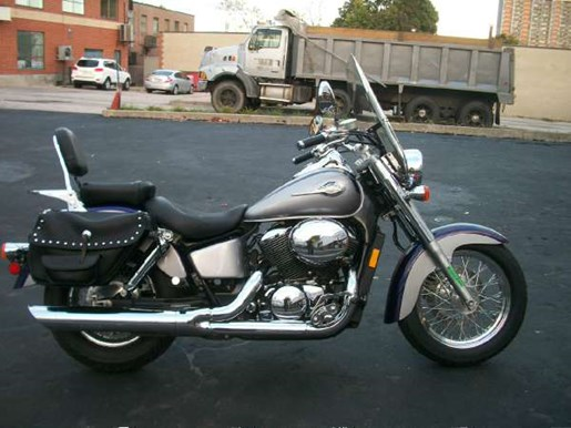 2002 Honda Shadow Ace 750 Deluxe Photo 1 of 25