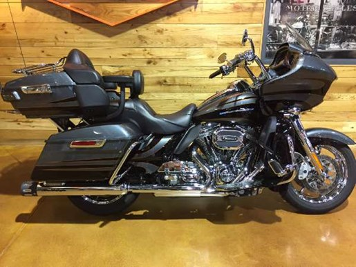 2016 Harley-Davidson CVO Road Glide Ultra Photo 1 of 15