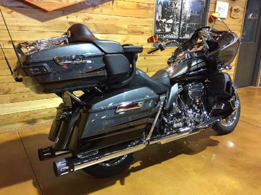 2016 Harley-Davidson CVO Road Glide Ultra Photo 6 of 15