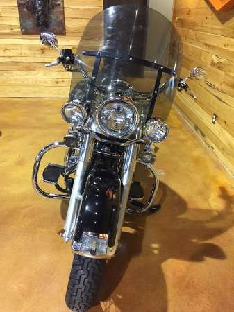 2004 Harley-Davidson FLSTC/FLSTCI Heritage Softail Classic Photo 3 of 9