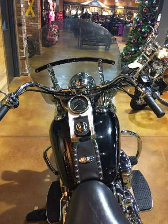 2004 Harley-Davidson FLSTC/FLSTCI Heritage Softail Classic Photo 5 of 9