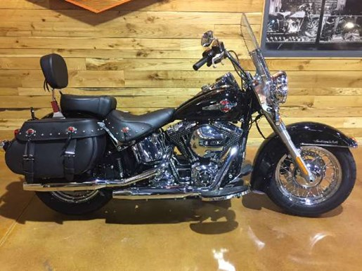 2017 Harley-Davidson Heritage Softail Classic Photo 1 of 9