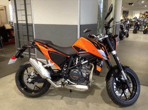 ktm 690 duke 2017 new motorcycle for sale in langley serving greater vancouver british columbia. Black Bedroom Furniture Sets. Home Design Ideas