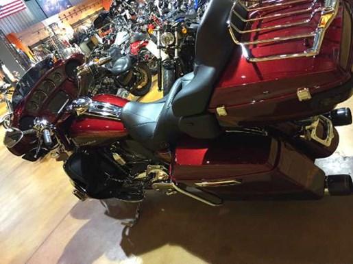 2014 Harley-Davidson CVO Limited Photo 7 of 13