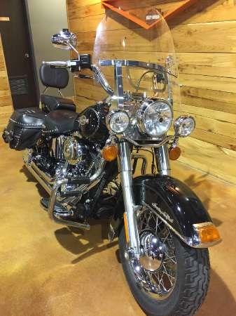 2007 Harley-Davidson Heritage Softail Classic Photo 2 of 9