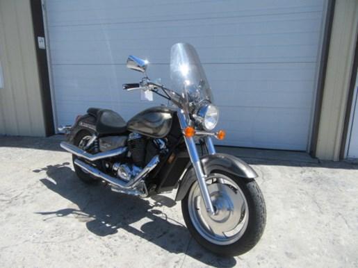2006 Honda Shadow® Sabre™ Photo 1 of 9