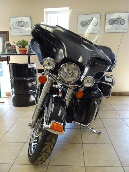 2011 Harley-Davidson FLHTK - Electra Glide® Ultra Limited Photo 5 of 11