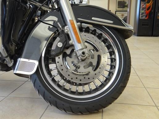 2011 Harley-Davidson FLHTK - Electra Glide® Ultra Limited Photo 7 of 11