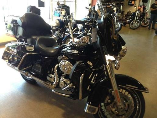 2011 Harley-Davidson FLHTK - Electra Glide® Ultra Limited Photo 11 of 11