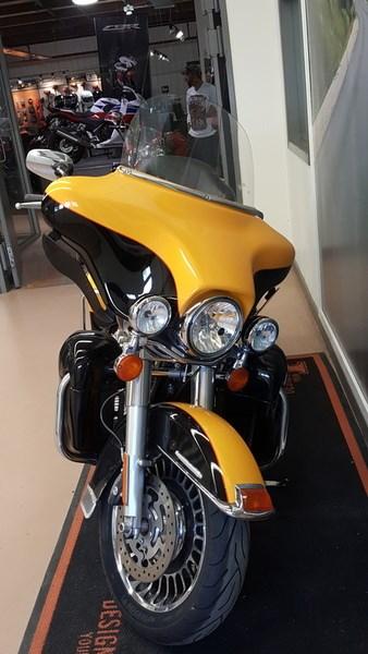 2013 Harley-Davidson FLHTK - Electra Glide® Ultra Limited Photo 2 of 10