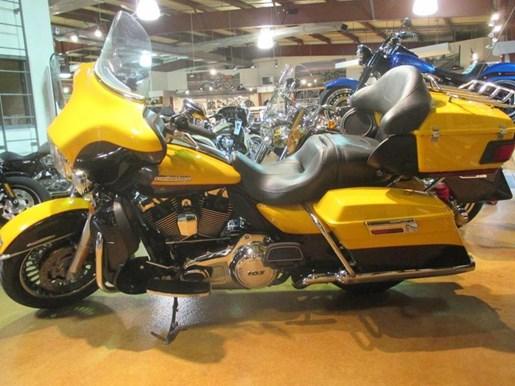 2013 Harley-Davidson FLHTK - Electra Glide® Ultra Limited Photo 4 of 10