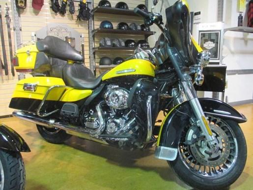 2013 Harley-Davidson FLHTK - Electra Glide® Ultra Limited Photo 5 of 10