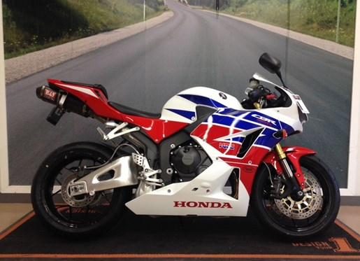 2014 Honda CBR® 600RR Photo 1 of 2