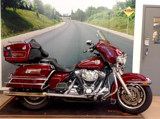 2004 Harley-Davidson FLHTCUI - Electra Glide® Ultra Classic® Photo 2 of 6
