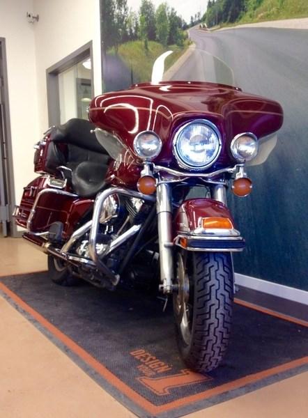 2004 Harley-Davidson FLHTCUI - Electra Glide® Ultra Classic® Photo 3 of 6