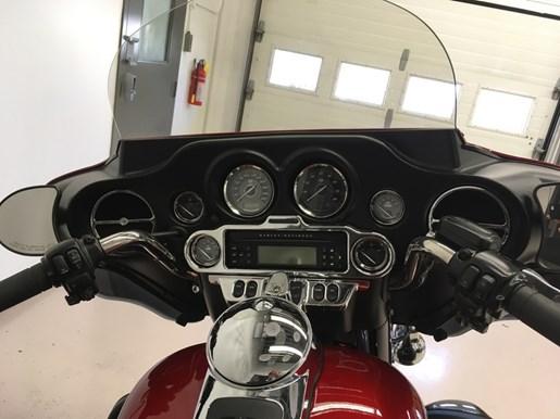 2013 Harley-Davidson FLHTK - Electra Glide® Ultra Limited Photo 5 of 7