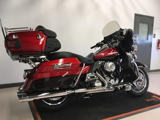 2013 Harley-Davidson FLHTK - Electra Glide® Ultra Limited Photo 6 of 7