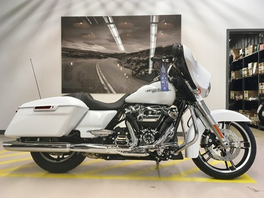 2017 Harley-Davidson FLHXS - Street Glide® Special Photo 1 of 11