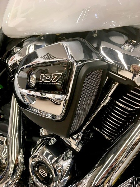 2017 Harley-Davidson FLHXS - Street Glide® Special Photo 7 of 11