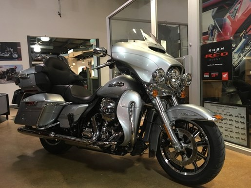 2015 Harley-Davidson FLHTCUL - Electra Glide® Ultra Classic® Low Photo 2 of 6