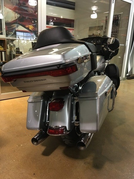 2015 Harley-Davidson FLHTCUL - Electra Glide® Ultra Classic® Low Photo 6 of 6