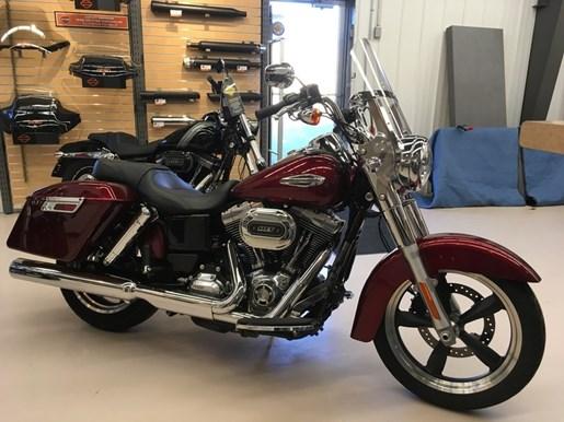 2016 Harley-Davidson FLD - Dyna® Switchback™ Photo 2 of 5