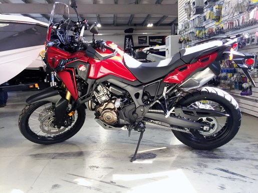 2017 Honda Africa Twin® DCT Candy Red Photo 1 of 5
