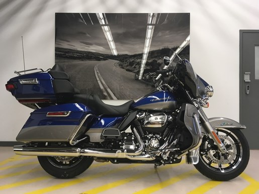 2017 Harley-Davidson FLHTK - Ultra Limited Photo 1 of 14