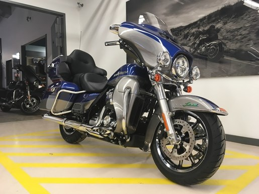 2017 Harley-Davidson FLHTK - Ultra Limited Photo 2 of 14